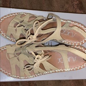 TAN WEDGES SIZE 5/6